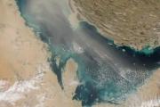 Спутники НАСА засняли продвижение пыльной бури над Персидским заливом