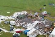 Буря, повалившая шатер на фестивале в Австрии, убила двух человек